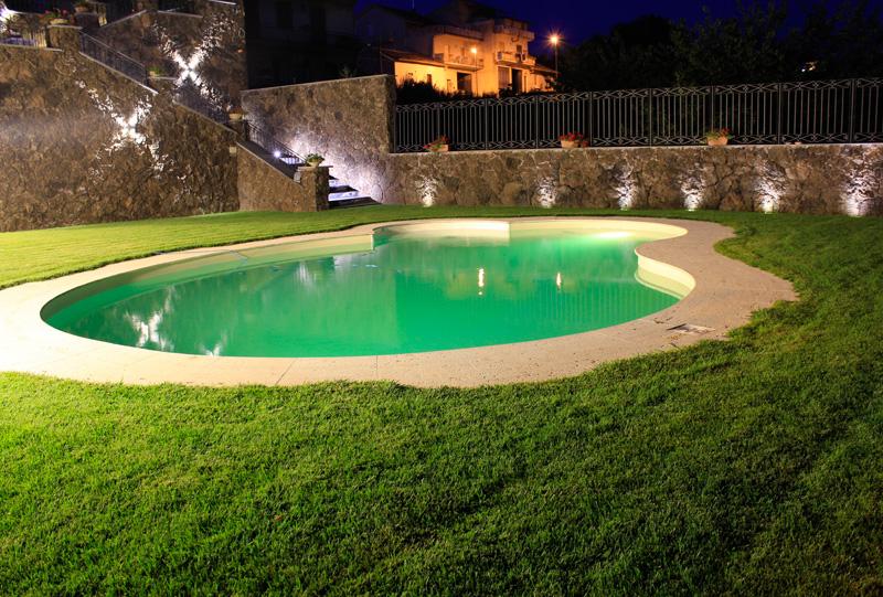 Illuminazione led piscina studio luce lampadari patern - Illuminazione piscina ...