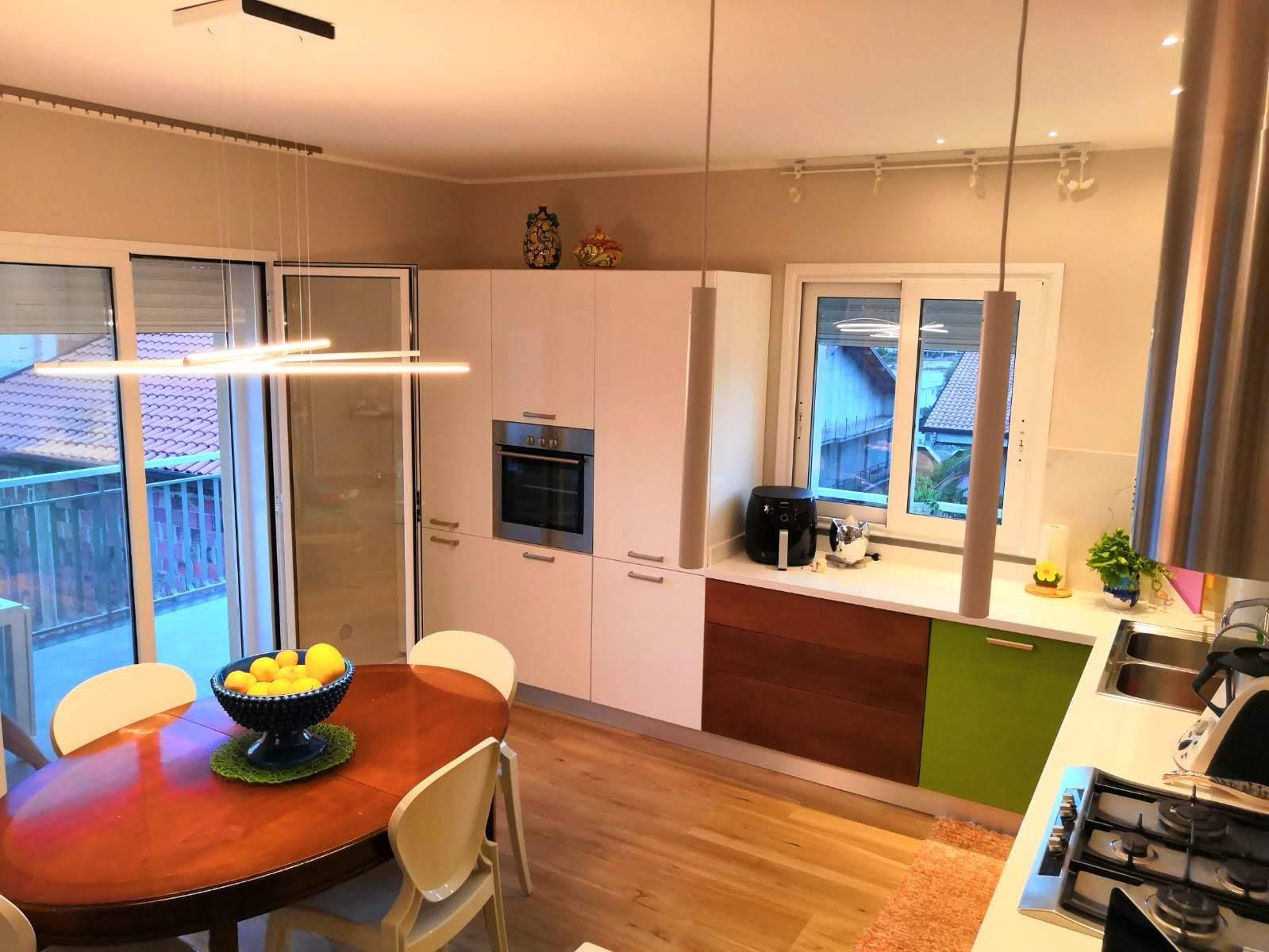 Illuminazione Piano Lavoro Cucina illuminare un living, abitazione privata - studio luce